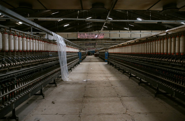 A production department of a textile factory is seen abandoned in Kaduna, Nigeria November 3, 2016. (Photo by Afolabi Sotunde/Reuters)