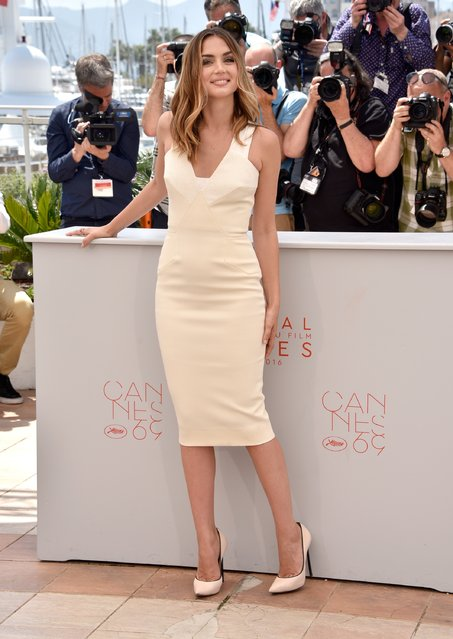 "Ana de Armas attends the ""Hands Of Stone"" photocall during the 69th annual Cannes Film Festival at the Palais des Festivals on May 16, 2016 in Cannes, France. (Photo by Clemens Bilan/Getty Images)"