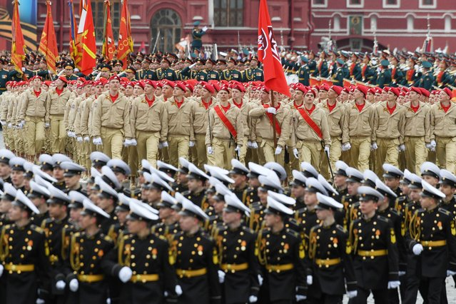 Russia's military-patriotic movement Yunarmiya cadets march at Red Square during the Victory Day military parade in Moscow on May 9, 2017. (Photo by Natalia Kolesnikova/AFP Photo)