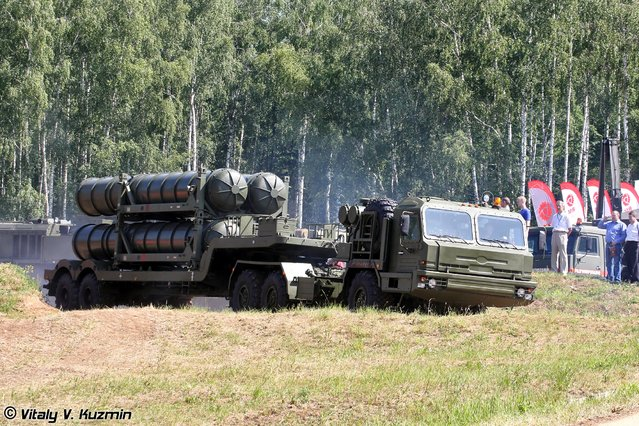 5T58-2 transport vehicle on BAZ-6402-015 chassis for S-400 system