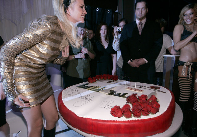 Ivanka Trump – blowing out the candles on her gigantic 25th birthday cake in Las Vegas, Nevada on October 28, 2006.  (Photo by Chris Weeks/WireImage)
