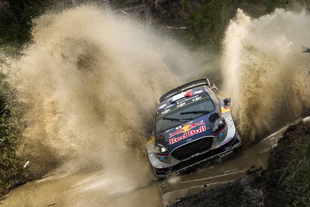 Andreas Mikkelsen (NOR) won five of the six dusty speed tests on Friday to lead the final round of the World Rally Championship in Australia. Sebastien Ogier (FRA) races in FIA WRC in Coffs Harbour, Australia on November 17, 2017. (Photo by Jaanus Ree/Red Bull Content Pool via AP Images)