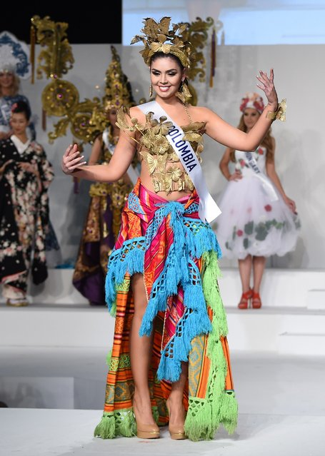 Miss Colombia Natalia Ochoa Calle displays her national costume during the Miss International beauty pageant in Tokyo on November 5, 2015. (Photo by Toru Yamanaka/AFP Photo)