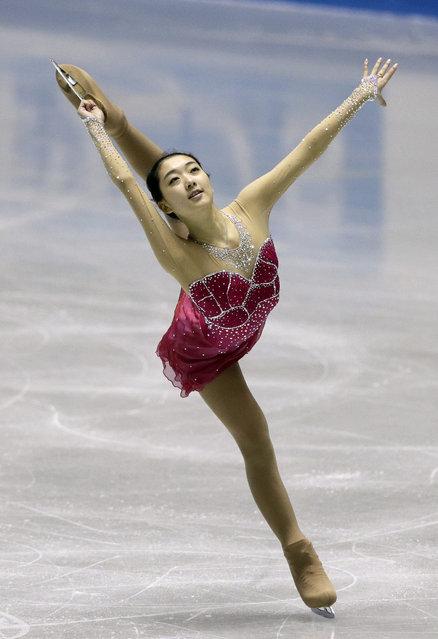 Li Zijun of China performs during the women's short program at the ISU World Team Trophy Figure Skating in Tokyo, Japan, 16 April 2015. (Photo by Kimimasa Mayama/EPA)