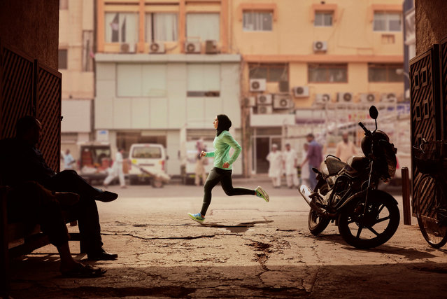 Zahra Lari runs in a scene shot for the Nike Middle East ad campaign filmed in Dubai, UAE, February 10, 2017. (Photo by Reuters/Nike)