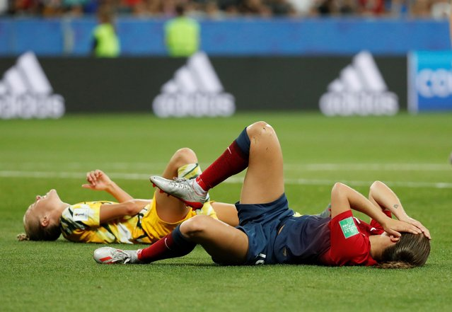 Australia's Tameka Yallop and Norway's Guro Reiten after sustaining an injury during the 2019 FIFA Women's World Cup France Round Of 16 match between Norway and Australia at Stade de Nice on June 22, 2019 in Nice, France. (Photo by Eric Gaillard/Reuters)
