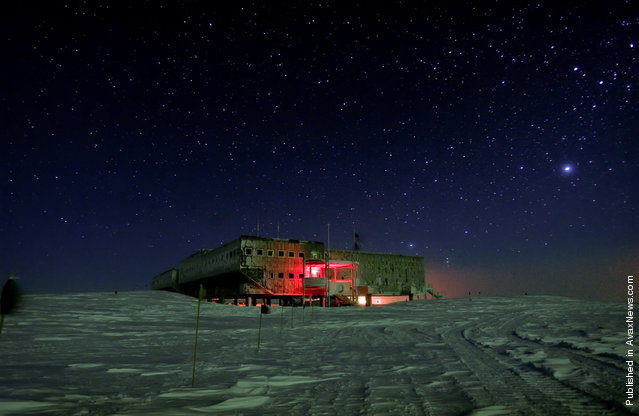 Amundsen-Scott South Pole Station experiences months of darkness. The sun dips below the horizon on March 21, after which follows several weeks of twilight before complete darkness results