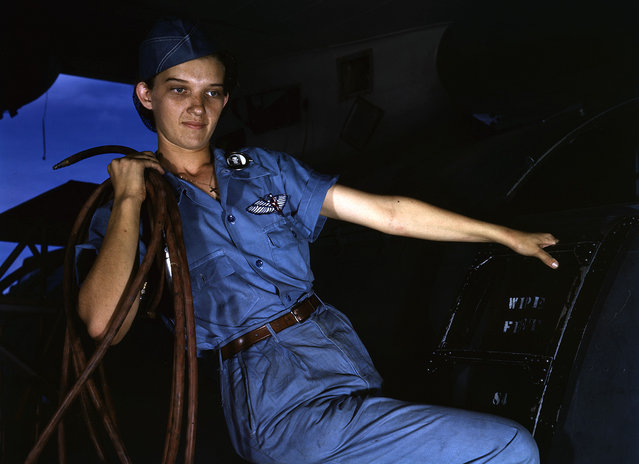 With a woman's determination, Lorena Craig takes over a man-size job in Corpus Christi, Texas. Before she came to work at the Naval air base she was a department store girl. Now she is a cowler under civil service. Photographed in August of 1942