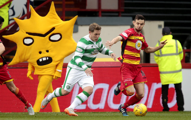 Football, Partick Thistle vs Celtic, Ladbrokes Scottish Premiership, Firhill on August 9, 2015: Patrick Thistle's David Wilson (R) in action with Celtic's Kris Commons. (Photo by Graham Stuart/Reuters/Action Images)