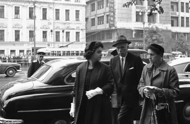 Mrs. Barbara Powers, left, wife of U-2 pilot Francis Gary Powers, is accompanied by her lawyer, Alexander Parker, and her mother, Mrs. Monteen Brown, as she arrives on August 19, 1960 at the hall of Columns in Moscow, for the third and last day of her husband?s trial for espionage. Powers was sentenced to ten years detention. (Photo by AP Photo)