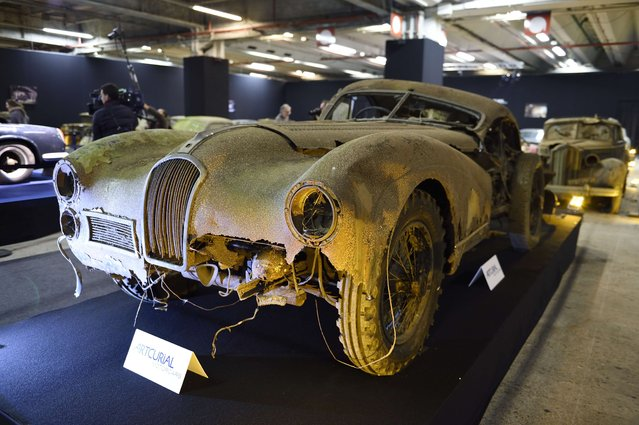 A picture taken on February 3, 2015 shows a Talbot Lago T26 Grand Sport SWB Saoutchik from the Baillon collection at the Retromobile Car Show 2015 in Paris. (Photo by Eric Feferberg/AFP Photo)