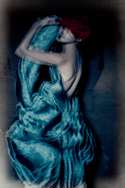 Roversi's work is noted for its use of light and texture. Here: Paolo Roversi – Anna, Paris 2015. (Photo by Paolo Roversi/The Guardian)