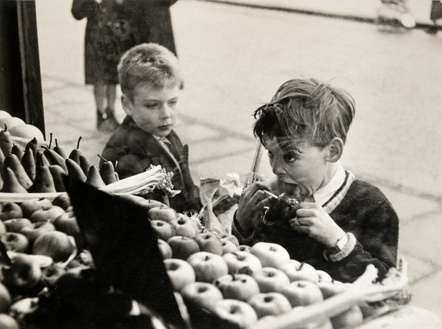 Untitled, 1950, by Bert Hardy. (Photo by Bert Hardy/Beetles+Huxley & Osborne Samuel)