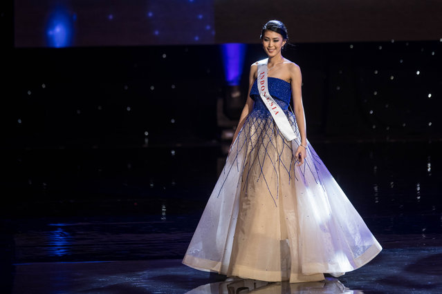 Miss Indonesia Natasha Mannuela is pictured during the Grand Final of the Miss World 2016 pageant at the MGM National Harbor December 18, 2016 in Oxon Hill, Maryland. (Photo by Zach Gibson/AFP Photo)