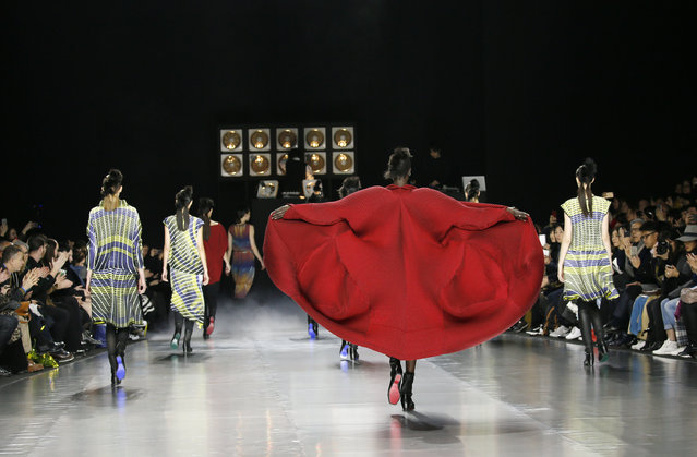 Models present creations by Japanese designer Yoshiyuki Miyamae as part of his Fall/Winter 2016/2017 women's ready-to-wear collection for fashion house Issey Miyake in Paris, France, March 4, 2016. (Photo by Gonzalo Fuentes/Reuters)