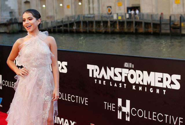 "Actress Isabela Moner arrives for the U.S. premiere of the film ""Transformers: The Last Knight"" in Chicago, Illinois, U.S., June 20, 2017. (Photo by Kamil Krzaczynski/Reuters)"
