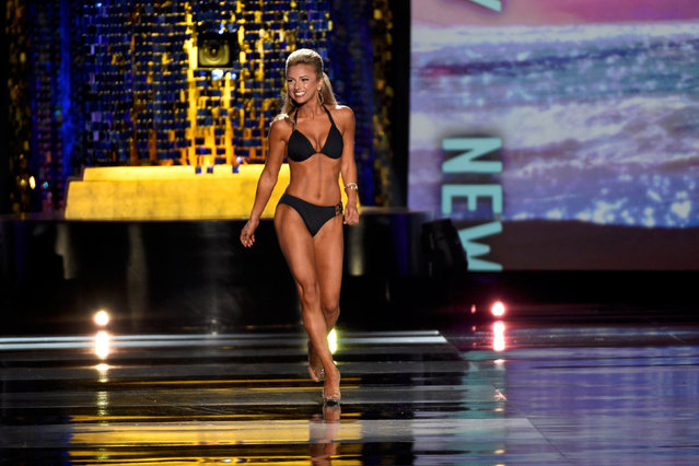 Miss New Jersey Kaitlyn Schoeffel competes in the swimsuit competition of the 97th Miss America Competition in Atlantic City, New Jersey U.S. September 10, 2017. (Photo by Mark Makela/Reuters)