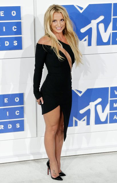 US singer Britney Spears arrives on the red carpet for the 33rd MTV Video Music Awards (VMA) at Madison Square Garden in New York, New York, USA, 28 August 2016. (Photo by Jason Szenes/EPA)