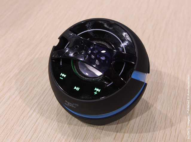 Mighty Dwarf displayed their Bluetooth enabled speaker at the 2012 International Consumer Electronics Show