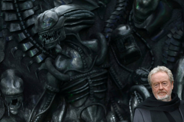 """Director Ridley Scott poses for photographers at the World Premiere of """"Alien: Covenant"""" in London, Britain May 4, 2017. (Photo by Neil Hall/Reuters)"""
