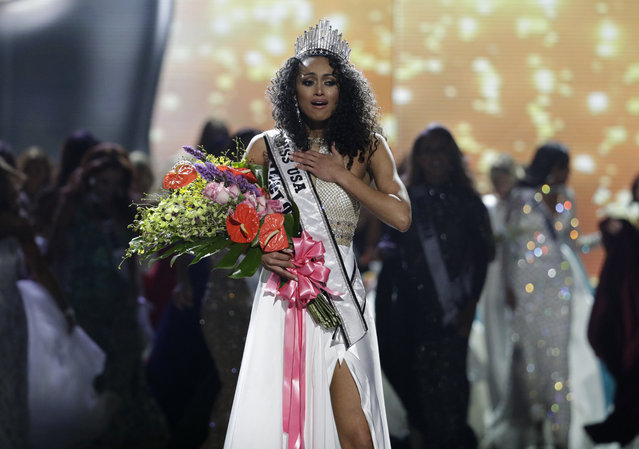 Miss District of Columbia USA Kara McCullough reacts after she was crowned the new Miss USA during the Miss USA contest Sunday, May 14, 2017, in Las Vegas. (Photo by John Locher/AP Photo)