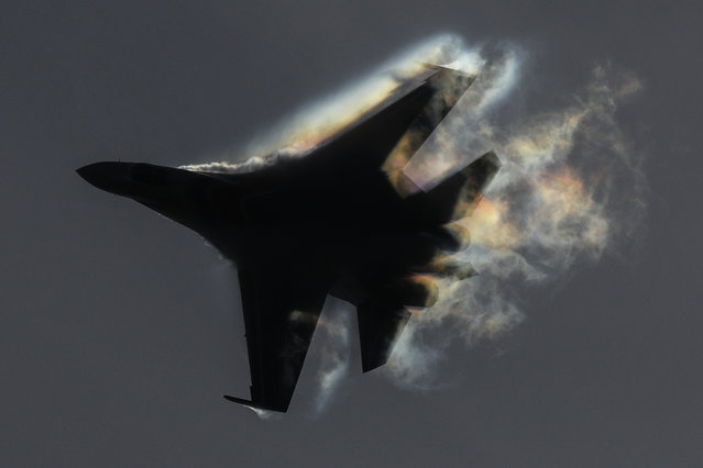 A Sukhoi Su-35S fighter jet performs during an air show as part of the Army 2020 International Military Technical Forum at the Kubinka air field in Moscow Region, Russia on August 25, 2020. (Photo by Sergei Savostyanov/TASS)