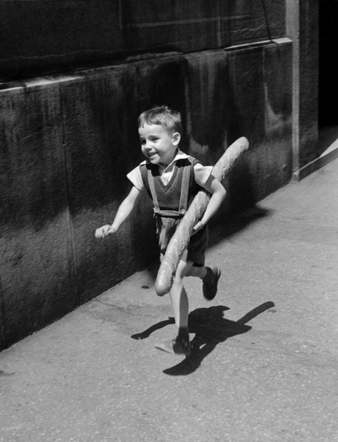 The little Parisian, Paris, 1952. Courtesy of TASCHEN. (Photo by Willy Ronis/Agence Rapho)