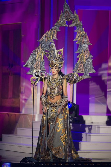 Elvira Devinamira, Miss Indonesia 2014, debuts her national costume during the Miss Universe Preliminary Show in Miami, Florida in this January 21, 2015 handout photo. (Photo by Reuters/Miss Universe Organization)