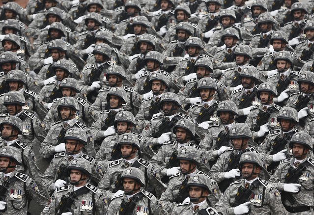 Indian soldiers march during the Republic Day parade in New Delhi January 26, 2015. (Photo by Adnan Abidi/Reuters)