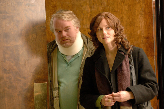 """""""The Savages"""", Philip Seymour Hoffman, Laura Linney, 2007. (Photo by 20th Century Fox/Courtesy Everett Collection)"""