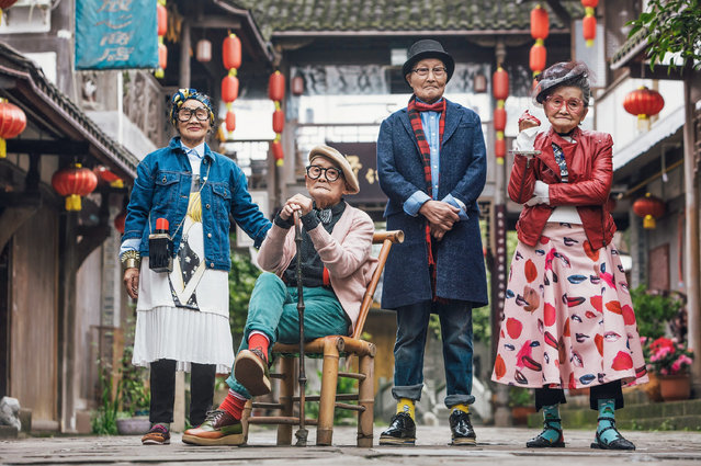 A group of fashionable nonagenarians pose for a photo in Pengzhou, Sichuan, China on October 12, 2016. (Photo by Rex Features/Shutterstock)