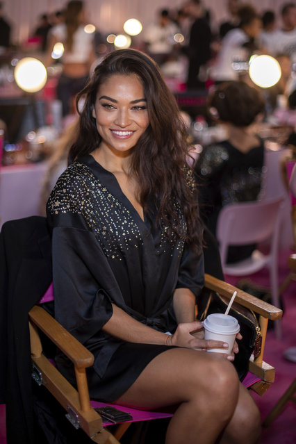 Shanina Shaik appears backstage during hair and makeup at the 2018 Victoria's Secret Fashion Show at Pier 94 on Thursday, November 8, 2018, in New York. (Photo by Charles Sykes/Invision/AP Photo)