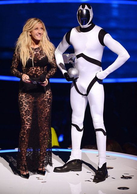 Ellie Goulding presents the Best Alternative award to 30 Seconds to Mars. (Photo by Ian Gavan/Getty Images)