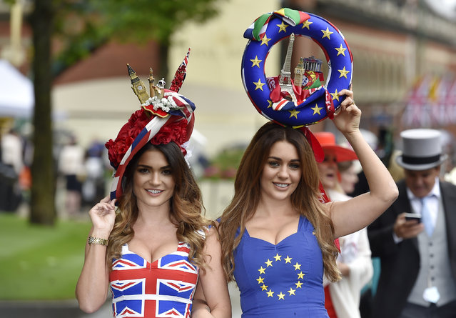 Britain Horse Racing, Royal Ascot, Ascot Racecourse on June 14, 2016. Racegoers in Britain and EU referendum themed dresses. (Photo by Toby Melville/Reuters/Livepic)