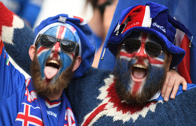 Iceland's supporters are pictured ahead of the Euro 2016 group F football match between Iceland and Hungary at the Stade Velodrome in Marseille on June 18, 2016. (Photo by Boris Horvat/AFP Photo)