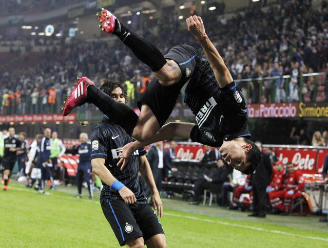 Inter Milan's Hernanes celebrates after scoring the team's second goal against Napoli during their Italian Serie A soccer match at the San Siro stadium in Milan October 19, 2014. (Photo by Alessandro Garofalo/Reuters)