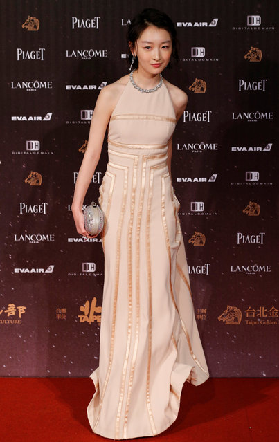 Actor Zhou Dongyu poses on the red carpet at the 53rd Golden Horse Awards in Taipei, Taiwan November 26, 2016. (Photo by Tyrone Siu/Reuters)