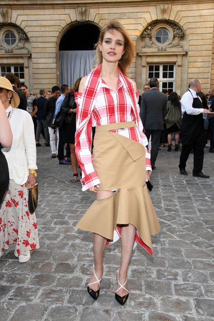 Natalia Vodianova attends the Berluti Menswear Spring/Summer 2018 show as part of Paris Fashion Week on June 23, 2017 in Paris, France. (Photo by Pascal Le Segretain/Getty Images)
