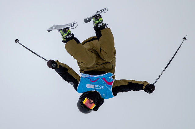 Hunter Carey of the U.S. trains for the freestyle skiing competition at the 2020 Winter Youth Olympics in Leysin Park, Leysin, Switzerland on January 17, 2020. (Photo by Simon Bruty for OIS/IOC/Handout via Reuters)