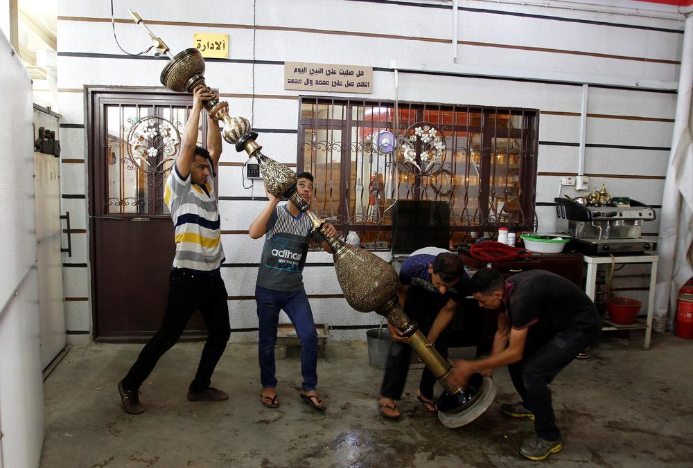 Hookah Factory in Baghdad