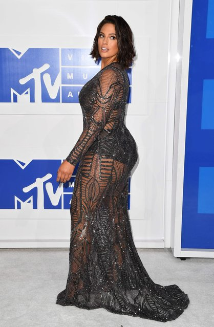 Model Ashley Graham attends the 2016 MTV Video Music Awards August on 28, 2016 at Madison Square Garden in New York. (Photo by Angela Weiss/AFP Photo)
