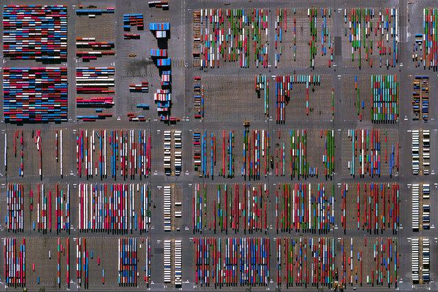 Port Newark-Elizabeth Marine Terminal, New Jersey. (Photo by Benjamin Grant/Digital Globe/Caters News)