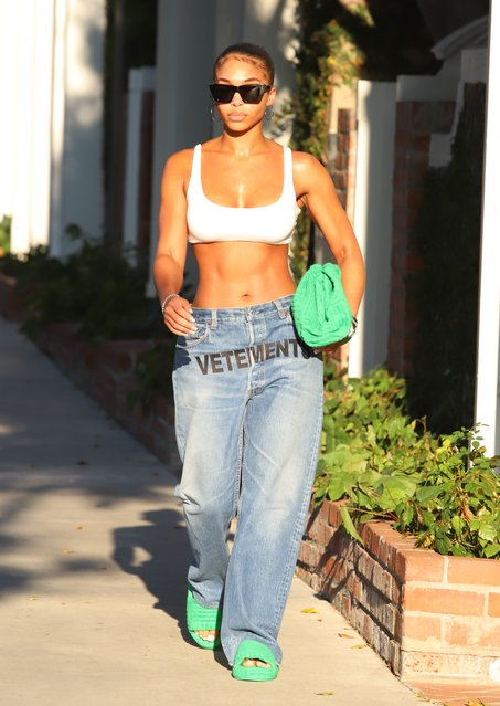 Actress Lori Harvey seen showing s*xy midriff and abs shopping Melrose in West Hollywood, CA. on August 25, 2021. (Photo by APEX/The Mega Agency)