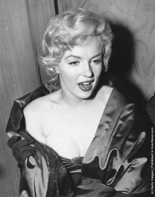 12th October 1956:  The American film actress Marilyn Monroe (1926-1962) attending a first night at the Comedy Theatre in London