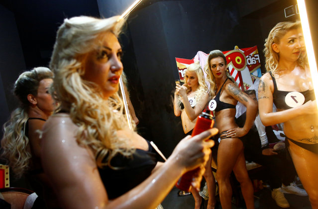 Contestants prepare backstage during the Angel of Turkey transgender/transsexual beauty pageant in Istanbul, Turkey, late May 26, 2016. (Photo by Murad Sezer/Reuters)