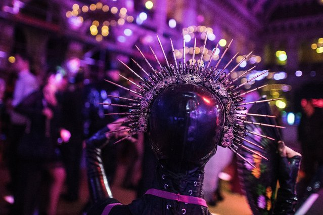 """A costumed guest during the """"Life Ball"""" charity event at the Rathaus city hall in Vienna, Austria, 10 June 2017. (Photo by Christian Bruna/EPA/EFE)"""