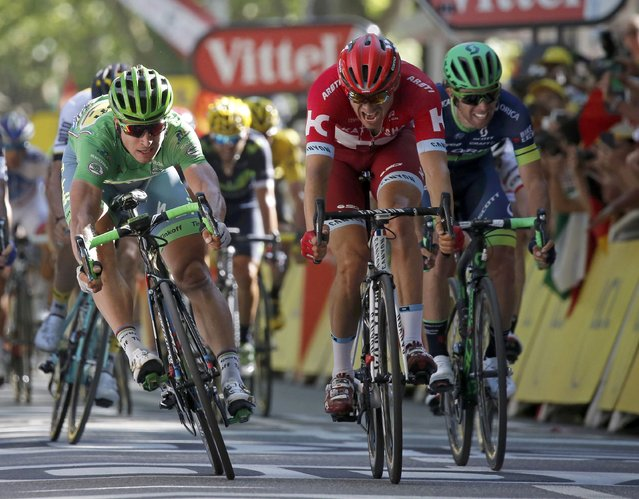 Cycling, Tour de France cycling race, The 209 km (129.8 miles) Stage 16 from Moirans-en-Montagne, France to Berne, Switzerland on July 18, 2016. Tinkoff team rider Peter Sagan of Slovakia (L) wins on the finish line. (Photo by Jean-Paul Pelissier/Reuters)
