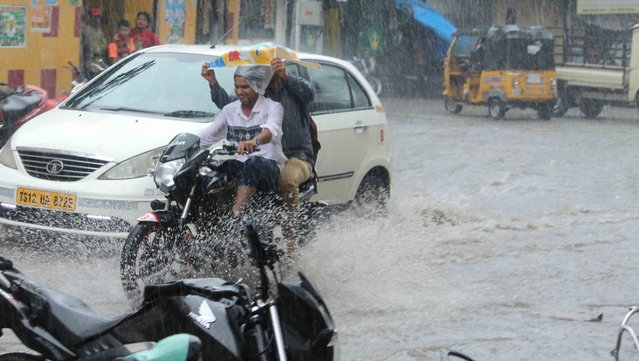 A view of flooded streets of Hyderabad, India on September 22, 2016. (Photo by IANS)