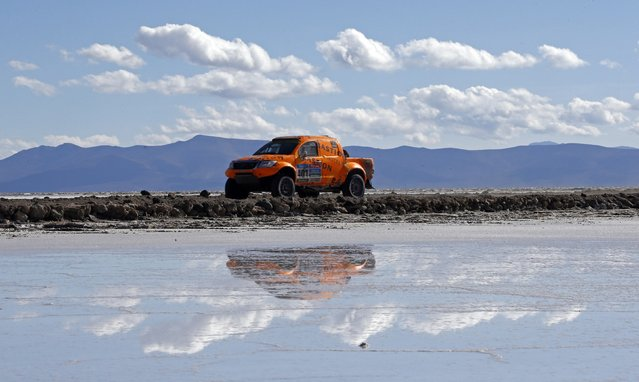 Toyota driver Maik Willems of the Netherlands drives on the Salar de Uyuni salt flat during the 8th stage of the Dakar Rally 2015, from Uyuni to Iquique, January 11, 2015. (Photo by Jean-Paul Pelissier/Reuters)