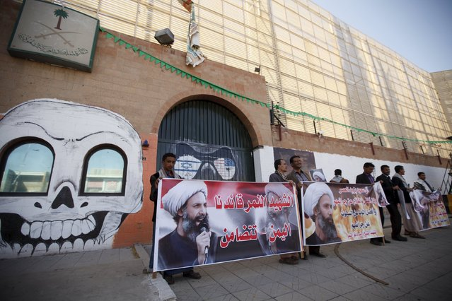 Supporters of the Houthi movement protest against the execution of Shi'ite Muslim cleric Nimr al-Nimr in Saudi Arabia, during a demonstration outside the Saudi embassy in Sanaa, Yemen January 7, 2016. (Photo by Khaled Abdullah/Reuters)